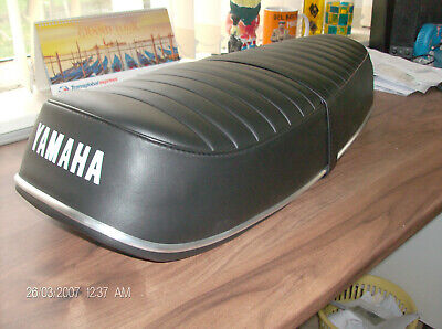 Motorcycle  Complete Seat   Yamaha YR5 DS7 • 185£