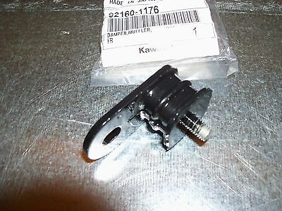 Oem Kawasaki Exhaust Head Pipe Rubber Mount Kx 65 80 85 100 125 250 500 *see Fit • 16£