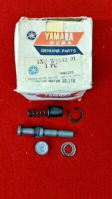 Yamaha TZ750 Rear Master Cylinder Repair Kit. Genuine Yamaha. New St6 • 95£